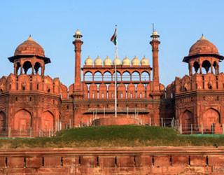 Amritsar to Delhi Taxi Rentals